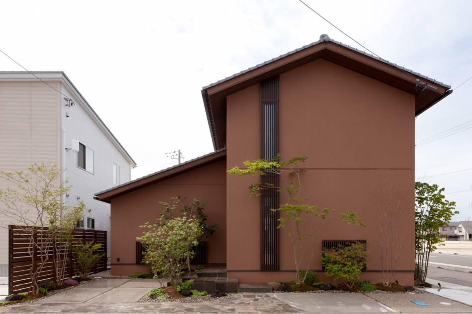 コンセプトは、「雑木林のなかに建てられた家」。