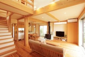 株式会社頼成工務店|富山県 富山市|無垢の木を使った自然派住宅
