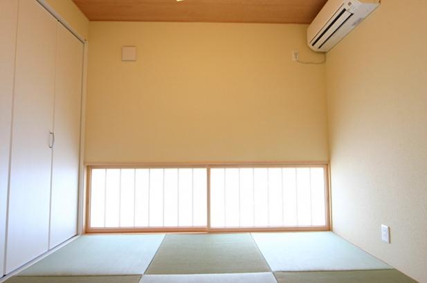 モダンデザインに無垢が映える家 和室