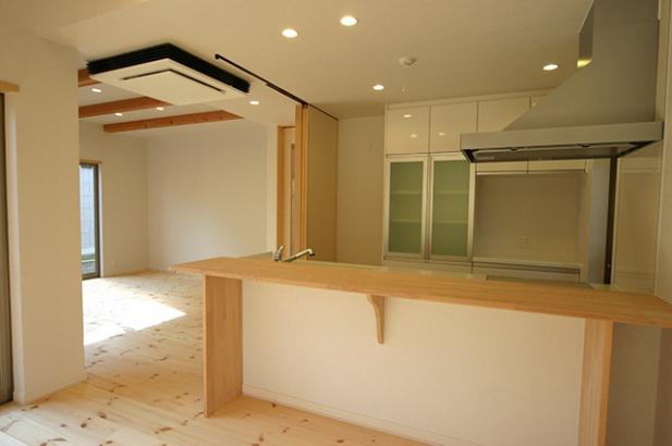 床も建具も無垢材の家 キッチン
