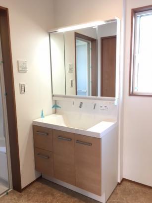 W=900の洗面化粧台(3面鏡付き)