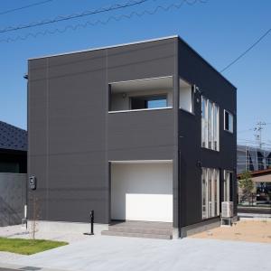 都会的なシンプルデザインの下飯野モデル