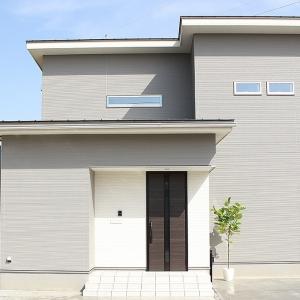 コンセプトは「あえて切り離す あえて繋ぐ」unlink style。 構造計算(許容応力度計算)で根拠ある安全性能を示し、耐震等級3、長期優良住宅認定物件として家族を守る強い家がこの家のポイント。 分譲型モデルハウス「なのにシリーズ」藤ノ木モデル2021年2月6日堂々デビュー。
