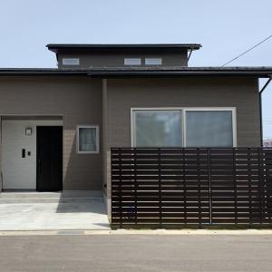 建物は2階建てですが、2階建て寄りの平屋的住まい方「1.99style」が設計コンセプト。 パナソニックビルダーズグループによる構造計算書付、耐震等級3、認定長期優良住宅と安心の設計。