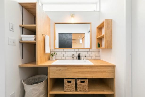 コンパクトな洗練空間 33坪グレーの家 造作洗面台