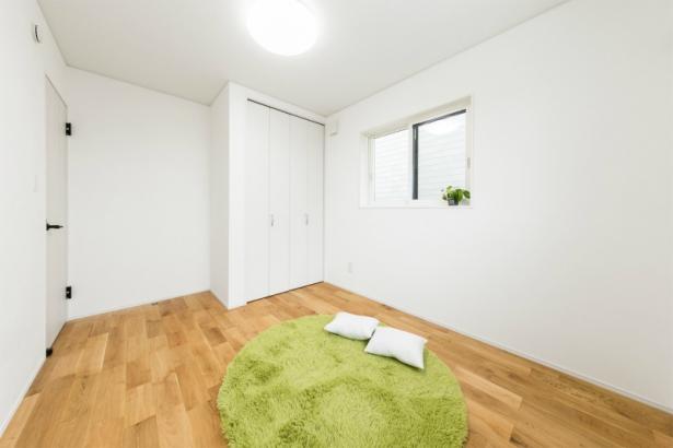 コンパクトな洗練空間 33坪グレーの家 子供部屋