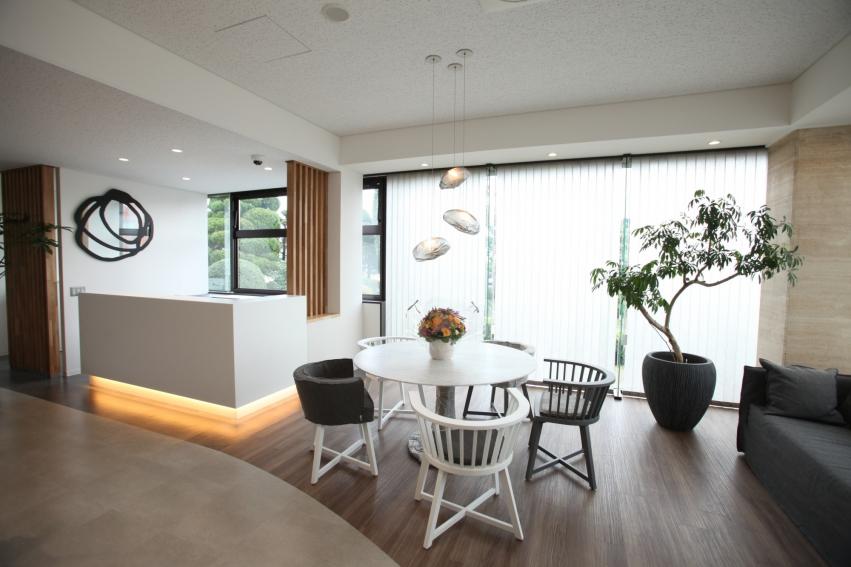 R+house TAKAOKA(アールプラスハウス タカオカ) 塩谷建設株式会社