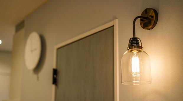 こだわりの照明器具はリビングのシンボルに