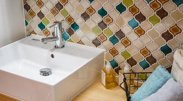 レトロで高級感のある洗面台