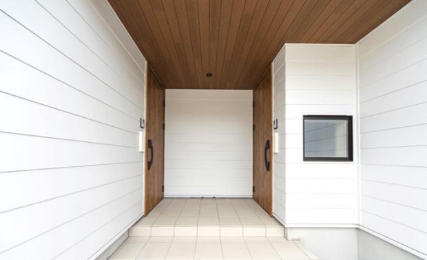 統一デザインの2つの玄関