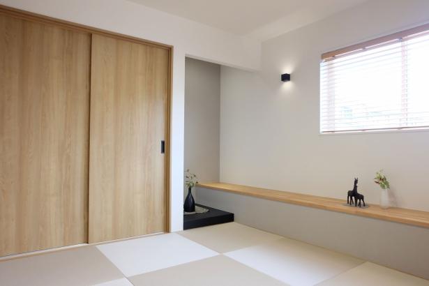 4.5帖の和室は半帖畳のフチなしでモダンなインテリアです
