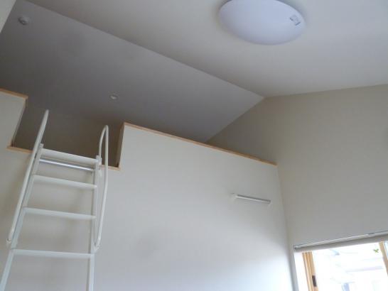 寝室のロフト