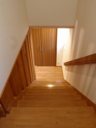 格子のある階段