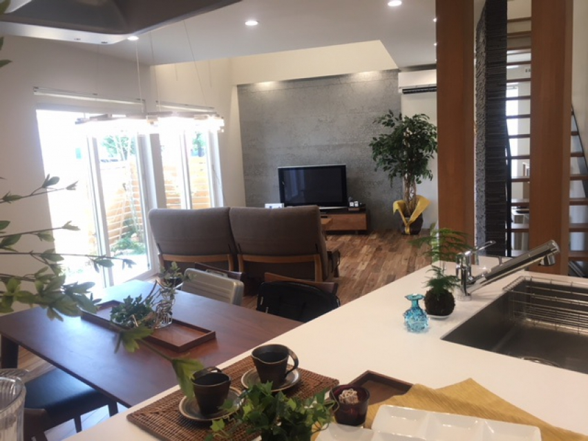 アクアホーム株式会社|富山県 富山市|自由設計・自然素材の富山の注文住宅