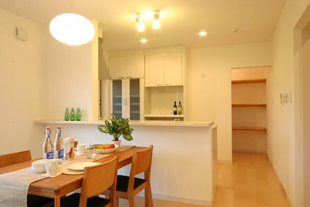 WB工法で自然呼吸の家 キッチン