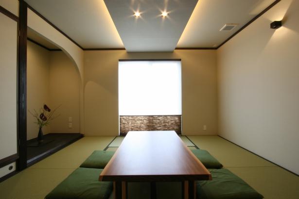 8帖のモダンな和室。和紙クロスを使用しました。